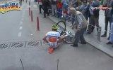 Düşen Bisikletçiye Yardımda Gecikmeyen Yurdum Amcası  Cumhurbaşkanlığı Bisiklet Turu