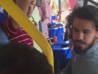 Otobüste Yüksek Sesli Dini Sohbete Tepki