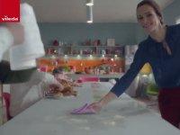 Vileda Reklamında Köpüklü Ayran İçen Bavyeralılar