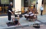 Oha Dedirten Sokak Müzisyeni