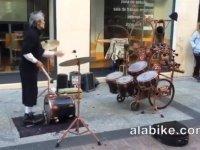 Oha Dedirten Sokak Müzisyeni!