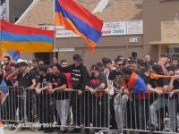 Türk Bayrağı Yırtan Ermenilere Ayar Vermek
