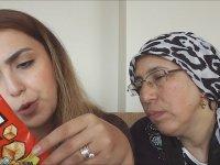 Bulgaristan'dan Gelen Abur Cuburları Annesiyle Tadan Kız