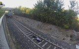 Azraile Kafa Tutan Tren Sever Eleman