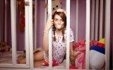 Bebek Bezi Giyip Beşikte Uyuyan 21 Yaşındaki Kadın