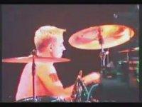 Athena - Burdayız Yapayalnız (Konser Görüntüsü - 1998)