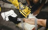 Dünyanın Dövme Yapan İlk Robotu Tattoue