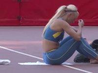 Isınırken Yürek Hoplatan Güzel Atlet