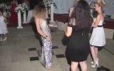 Düğünde Nesrin Topkapıya Dönüşen Kızlar