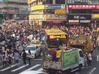Taipei'de Pokemon Arayan Beyin Ölümü Gerçekleşmiş İnsanlar