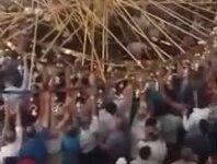 Camide Cemaatin Üzerine Avize Düşmesi