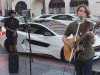 Will.i.am'in Sokak Sanatçısına Sürprizi
