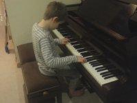 Doğuştan Görme Engelli Piyanist Çocuk