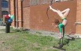 Jimnastikçi Akrobat Olağanüstü Yetenekli Bella Gantt