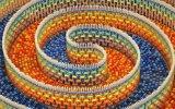 15 Bin Parçadan Oluşan 3 Katlı Spiral Domino