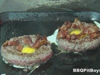 Mangalcı Dedeler - Yumurtalı Kaşarlı Hamburger