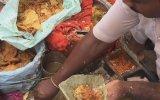 İçinden Hijyen Akan Hint Sokak Yemeği