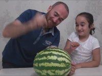 Karpuza Çivi Çakarak Kırmayı Deneyen Çılgın Youtuber Baba