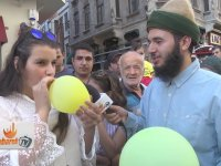 Taksim'de Helyum Gazlı Sosyal Deney