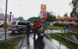 Trafik Kurallarına Uymayan Sürücülere Sticker Yapıştıran Ruslar
