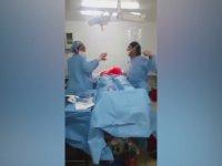 Ameliyatta Dans Eden Cerrah