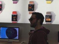 Apple Store'a Girip iPhoneları Parçalayan Psikopat