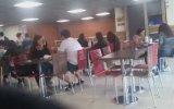 Burger King Tuvaletinde Kadın Taklidi Yapan Liseli