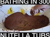 300 Kavanoz Nutella ile Banyo Yapmak