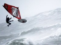 Kasırgada Sörf