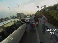 İstanbul Trafiğinde Araçlara Çarparak Polisten Kaçan Kamyonet