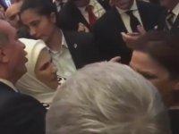 Kibariye'nin Erdoğan'dan Makas Alması