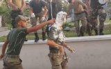 Tezkereci Askeri Tıraş Köpüğüne Bulamak