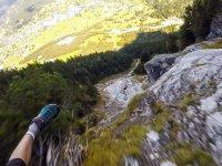 İsviçre Alpleri'nden Adrenalin Dolu Bir Atlayışa!