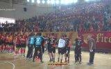 Türk ve Hollandalı Sporcular Kol Kola  İsyan Marşı