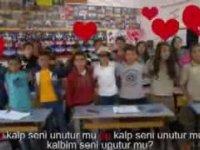Türkçe Dersini Rap Müzik İle Öğreten Öğretmen