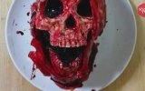 Yemesi Cesaret İsteyen Pasta