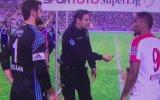 AntalyasporFenerbahçe Maçında Yazı Tura Atışını Polis Memurunun Yapması