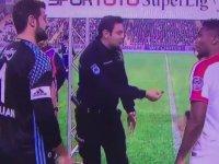 Antalyaspor-Fenerbahçe Maçında Yazı Tura Atışını Polis Memurunun Yapması