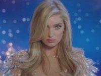 Victoria's Secret Melekleri'nden İç Açıcı Yılbaşı Şarkısı