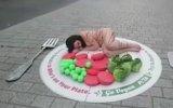 PETA'dan Sokak Ortasında Çıplak Protesto