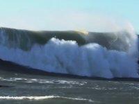 Dalga Büyük Olsa da Sörf Yapamayabilirsin!