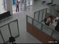 Banka Soygununu Tek  Başına Engelleyen Güvenlik