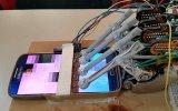 Harddisk Parçalarından Oyun Oynayan Robot Yapan Mucit