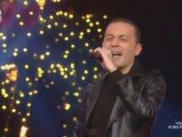 Cüneyt Çakır'ın O Ses Türkiye Yılbaşı Özelde Şarkı Söylemesi
