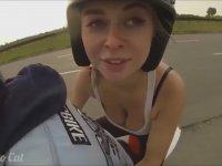 İlk Defa Motosiklete Binen Kızın Dramı (+13,5)