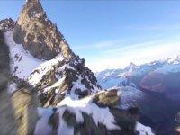 Dağa Paralel Giden Huzur Veren Görüntüsüyle İzlemesi Aşırı Keyifli Drone