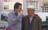 Mustafa Karadeniz'in Masum Simitçiye Şaka Yapması