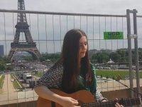 Paris'te Bir Sokak Müzisyeni