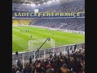 Emre Belözoğlu'nu Tribüne Çağıran Fenerbahçe Taraftarları