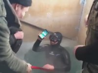 Buz Tutmuş Sudan Çıkarılan iPhone 7 Plus